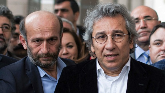 Can Dundar, right, editor-in-chief of Turkish opposition newspaper Cumhuriyet, and Erdem Gul on Thursday.