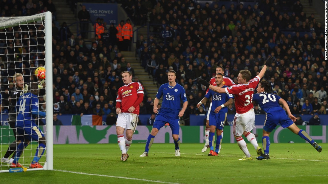 Bastian Schweinsteiger (2nd R) canceled out Vardy's opener when he struck just before halftime for United.