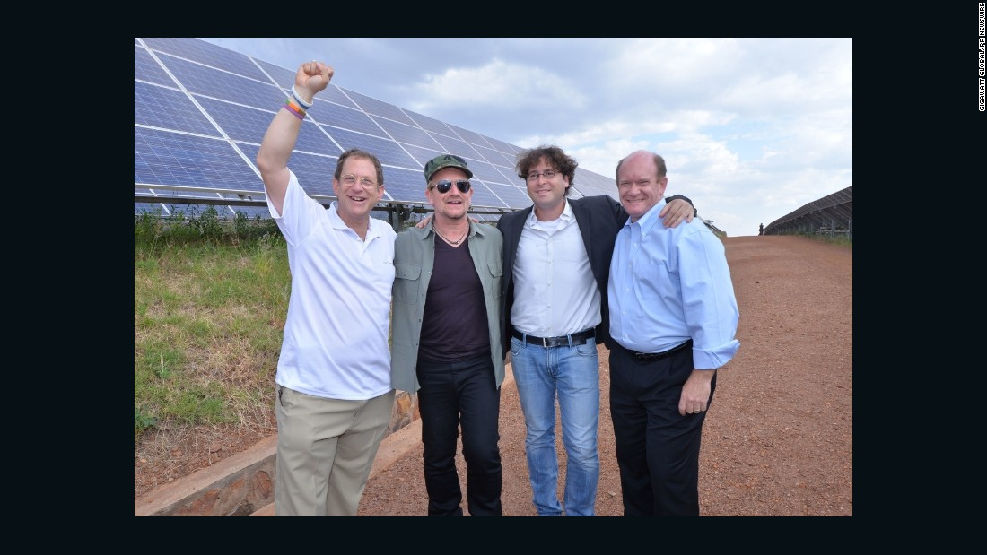 U2 frontman Bono, seen here with Gigawatt Global co-founders Yosef Abramowitz and Chaim Motzen, and US Senator Chris Coons, visited the facility in August. Former UK Prime Minister Tony Blair also toured the plant.
