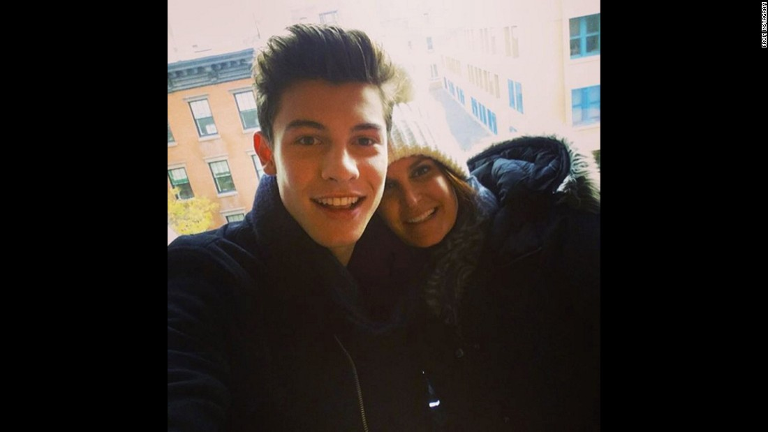 "Singer Shawn Mendes, with hairstylist Kristan Serafino, wishes his Instagram followers <a href=""https://www.instagram.com/p/-jEsROLt6_/"" target=""_blank"">a happy Thanksgiving</a> on Thursday, November 26."