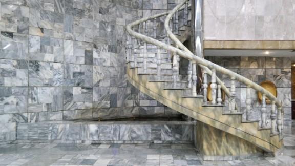 Yanggakdo International Hotel, Pyongyang, 1995
