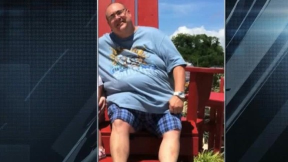 man loses 150 pounds 10 months weight loss pkg_00012013.jpg