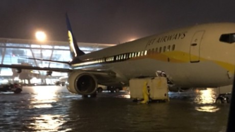 Flooding forces airport in Chennai, India to close