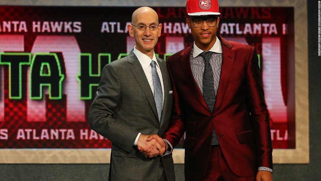 Kelly Oubre Jr. makes a fashion statement before being selected 15th by the Atlanta Hawks.