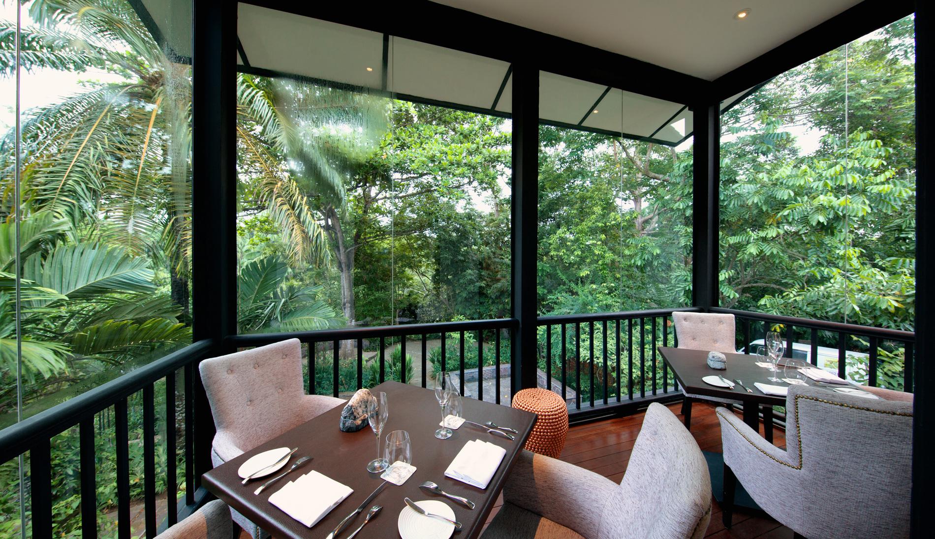 https://cdn.cnn.com/cnnnext/dam/assets/151204160137-singapore-botanic-gardens-corner-housedarren-soh.jpg