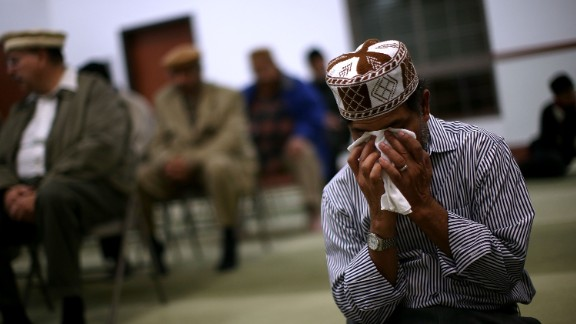 CHINO, CA - DECEMBER 03:  A muslim man prays in the mosque during a prayer vigil at Baitul Hameed Mosque on December 3, 2015 in Chino, California. The San Bernardino community is mourning as police continue to investigate a mass shooting at the Inland Regional Center in San Bernardino that left at least 14 people dead and another 21 injured.  (Photo by Justin Sullivan/Getty Images)