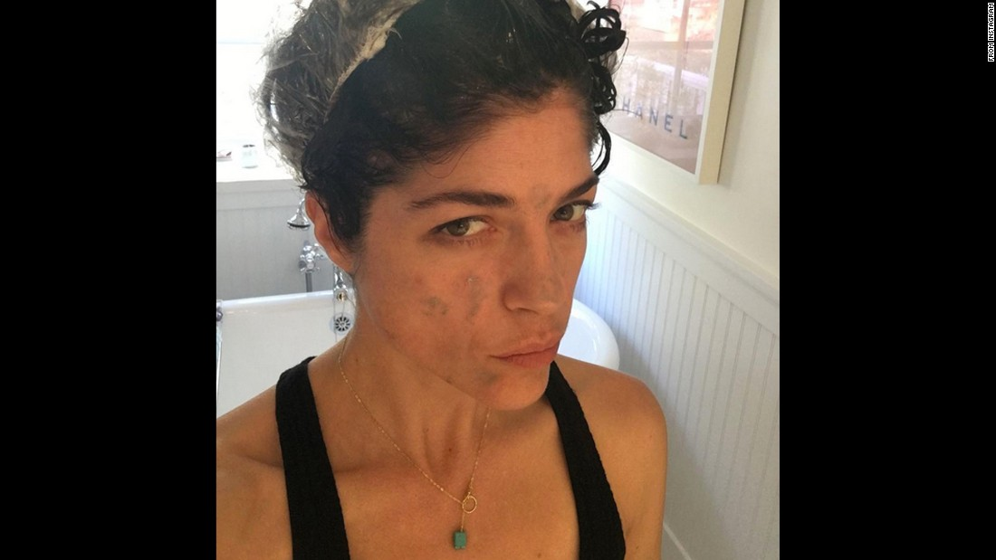 """I have my own glam squad. I got this,"" <a href=""https://www.instagram.com/p/-_2WS6JUiq/?taken-by=therealselmablair"" target=""_blank"">joked actress Selma Blair</a> as she dyed her hair on Monday, December 7."
