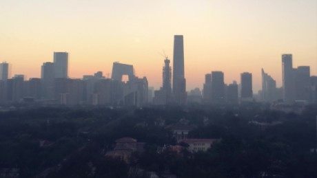 Time-lapse video shows smog-stricken Beijing