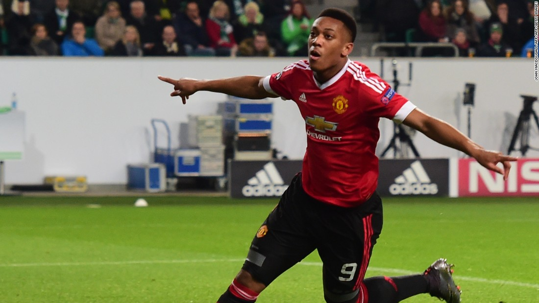 Manchester United's French striker Anthony Martial gave the visitors the lead in a thrilling game.