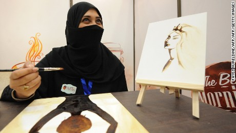 What women in Saudi Arabia can -- and can't -- do