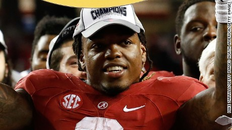 Running back Derrick Henry is the first running back to win the Heisman Trophy since 2009.