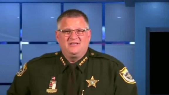 florida sheriff viral video guns dnt machado erin_00001606.jpg