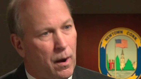Former Sandy Hook top cop pushing for safer guns