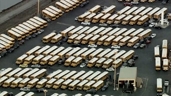 los angeles schools closed threat_00000000.jpg