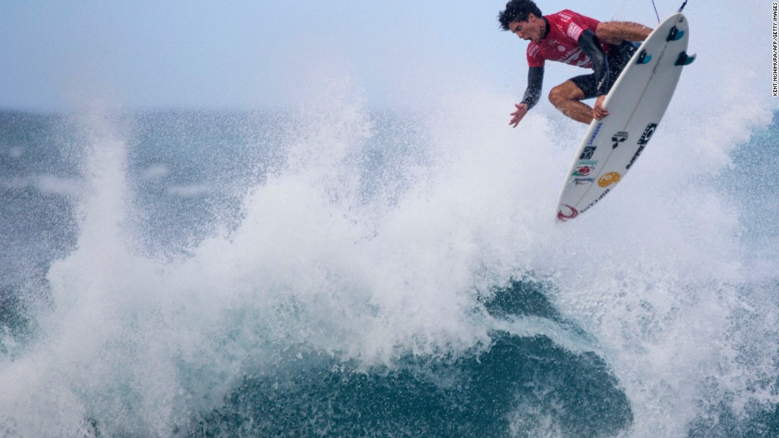 Gabriel Medina beat Mick Fanning with three minutes of the heat remaining. He became the first Brazilian to win the Triple Crown, which goes to the surfer with the highest points in total.