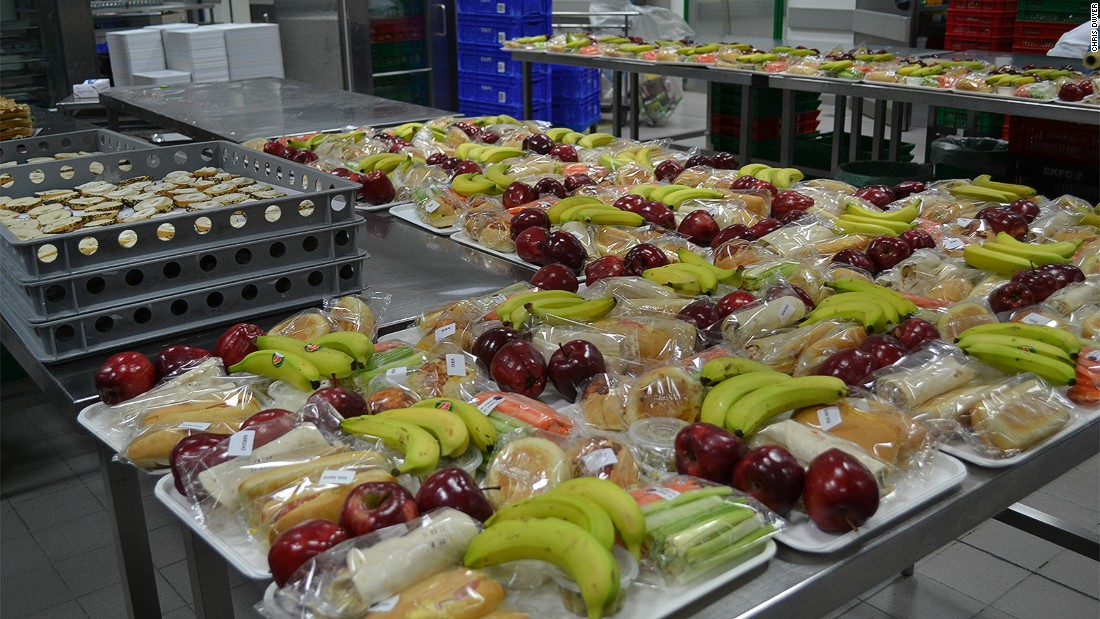 Airline Food Emirates Dishes Out 180000 Meals