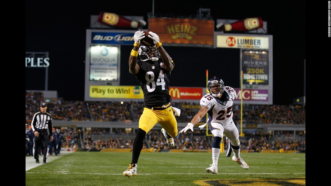 Antonio Brown of the Pittsburgh Steelers catches a touchdown pass in the third quarter against the Denver Broncos at Heinz Field in Pittsburgh on Sunday, December 20.