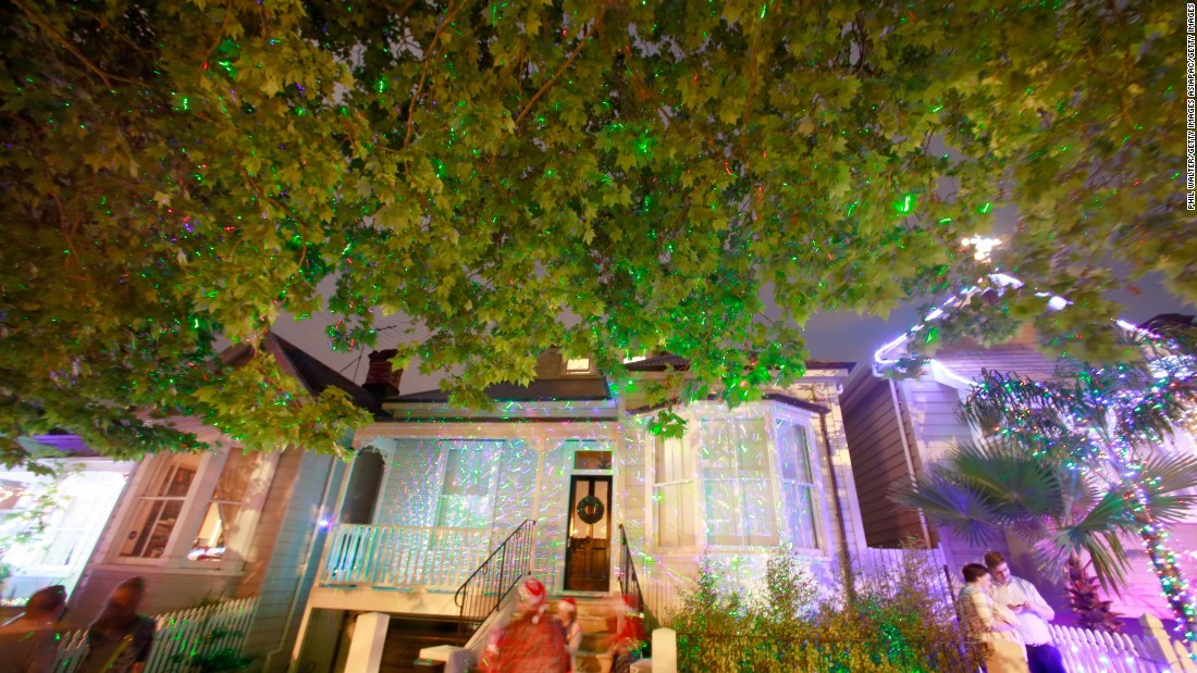For more than two decades now, it's been a tradition for residents of houses on Franklin Road in the Ponsonby area of Auckland to put on a superb light show during the holidays.
