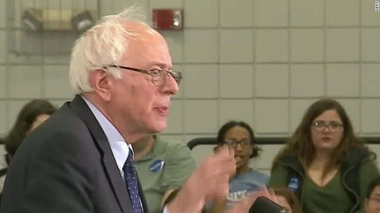 Sanders mocks Trump's bathroom comments