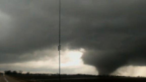 Funnel cloud forms near Clarksdale, Mississippi. December 23, 2015