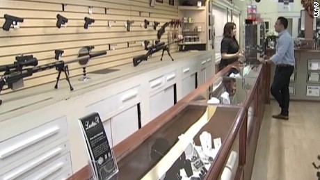jewelry store giving free shotguns with purchase florida pkg_00001808