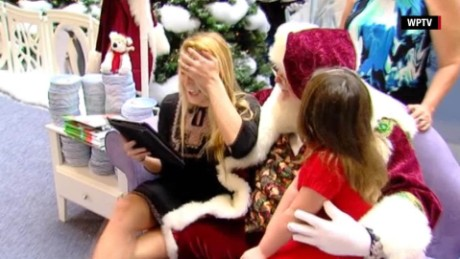 marine surprises wife with santa florida_00003027