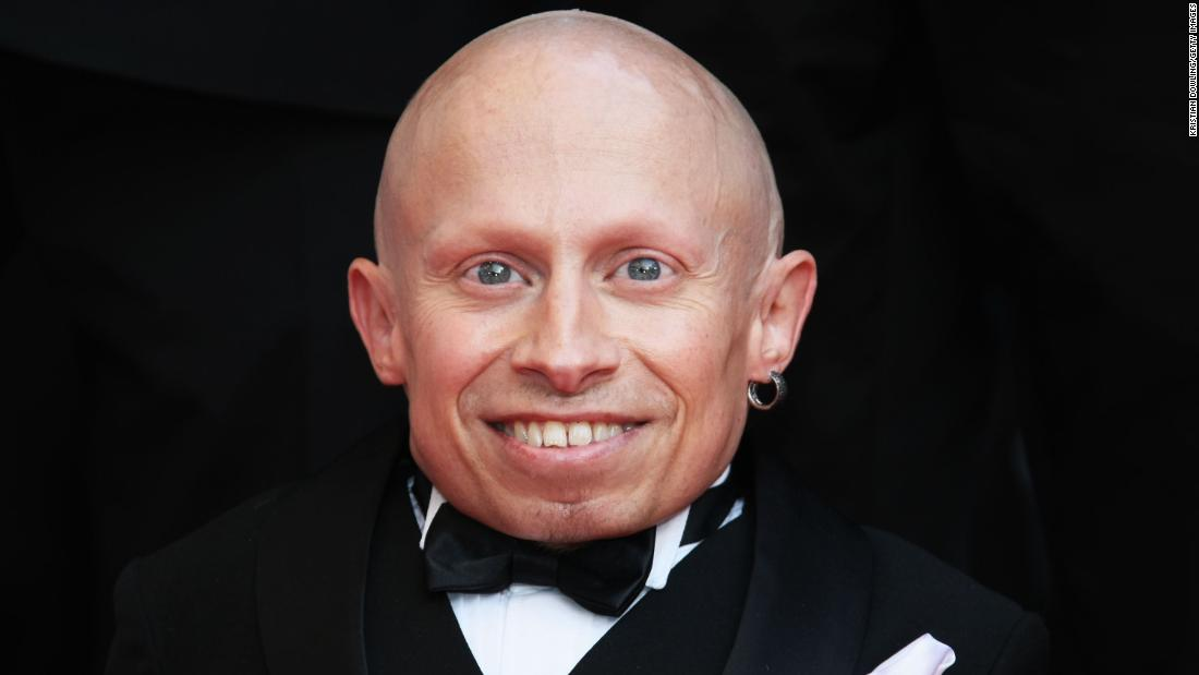"<a href=""https://www.cnn.com/2018/04/21/entertainment/verne-troyer-obit/index.html"" target=""_blank"">Verne Troyer</a>, an actor who played Mini-Me in two of the Austin Powers comedy films, died at the age of 49, according to statements posted to his social media accounts on April 21. ""Verne was an extremely caring individual. He wanted to make everyone smile, be happy, and laugh,"" a statement posted to his social media said. No cause of death was immediately released."