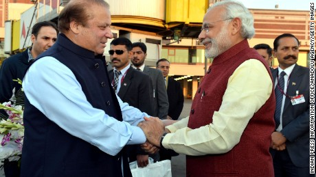 modi visits pakistan the first by an indian pm in years cnn