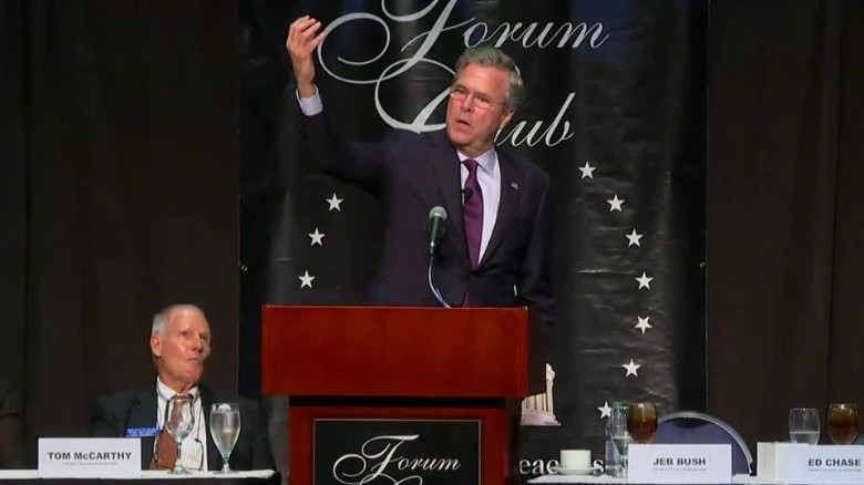 Jeb Bush shares his selfie-taking tips