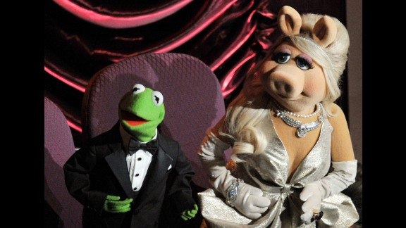 Does Kermit the Frog count as a great TV host? Why not? If you had to deal with the Swedish Chef, the Electric Mayhem, a corny comedian bear and that diva pig, you'd probably go nuts. But Kermit is usually soft-spoken and gracious ... that is, when he's on stage. As a producer, things have sometimes been different.