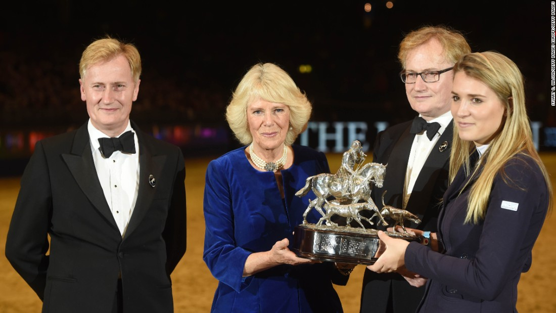Mendoza capped an amazing 2015 in December by accepting the Raymond Brooks-Ward Memorial Trophy from Camilla, Duchess of Cornwall at The London International Horse Show at Olympia Exhibition Center.