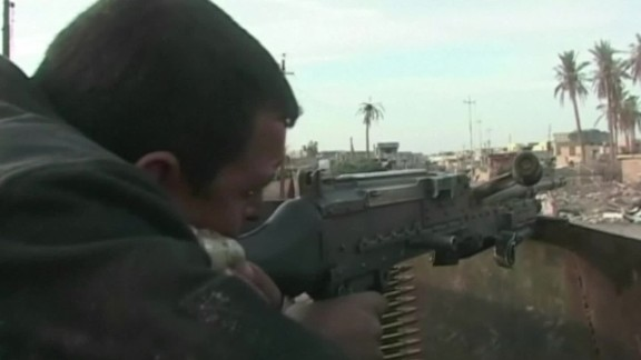 ISIS suicide bombers attack Iraqi army base elbagir lklv_00000620.jpg