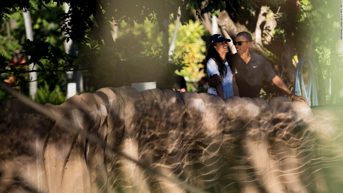 Obama and his daughter Malia enjoy the Honolulu Zoo on January 2.