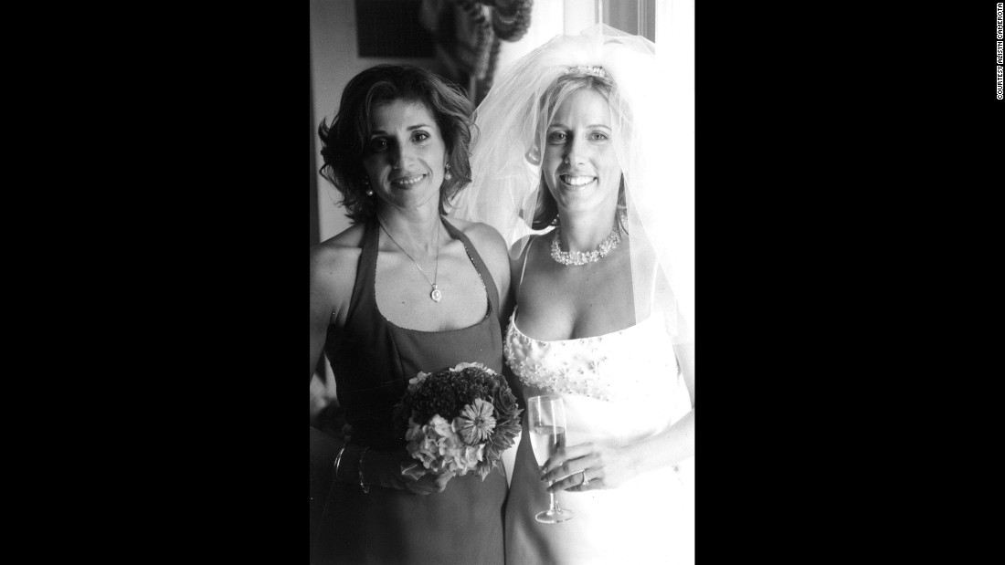 Alisyn with Maria Villalobos at her wedding on September 2, 2001, in Boston.  <br />
