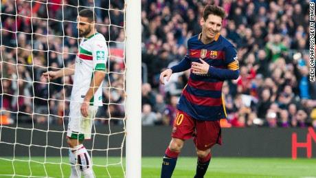 Lionel Messi scores hat-trick as Barcelona thrashes Granada