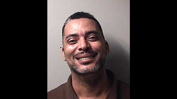 "Fugitive Sends Selfie To Cops Because Of ""Terrible Mugshot"""