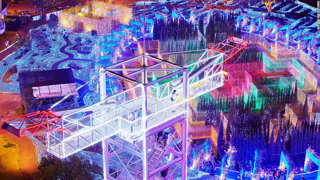 Many countries have winter fairs. Many countries have light shows. But they don't look like this. Huge light shows have become a winter institution in Japan and the Huis Ten Bosch theme park in Nagasaki has particularly eye-catching illuminations, featuring millions of light bulbs ...
