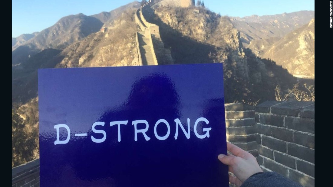 "Other Internet users quickly followed suit. This, from Weibo user ""Woaidashuai,"" is also taken at the Great Wall near Beijing."