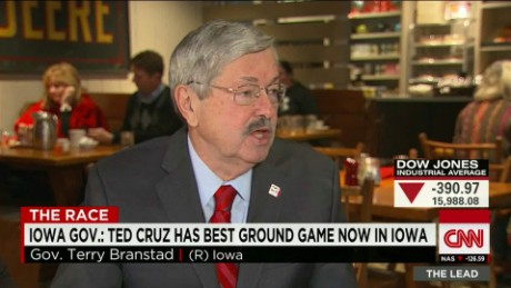 Iowa Gov. says Cruz has best ground game, but bashes him for opposing ethanol
