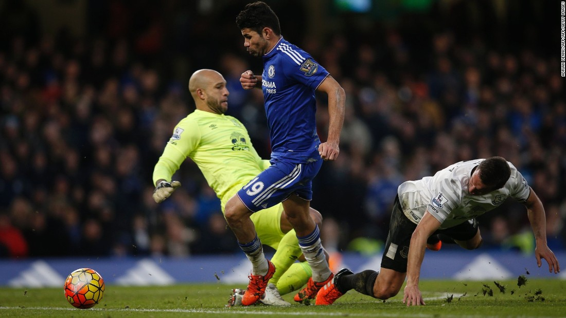 Diego Costa reduced the deficit as he beat Howard and Phil Jagielka to Cesc Fabregas' long pass and walked the ball into the empty net.