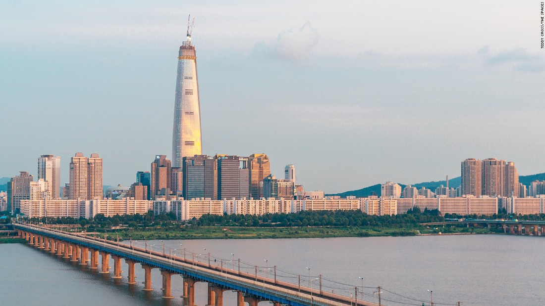 "Completed in March 2016, the Lotte World Tower is Seoul's first supertall skyscraper, and is currently the sixth tallest building in the world. <br /><br /><strong>Height: </strong>556 meters (1824 feet)<br /><strong>Architect:</strong> <a href=""http://www.kpf.com/about/profile"" target=""_blank"">Kohn Pedersen Fox Associates</a>"