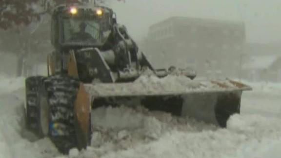 50 million brace snowstorm dnt marsh lead_00005809.jpg