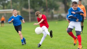 Soccer players' cancers ignite debate over turf safety - CNN