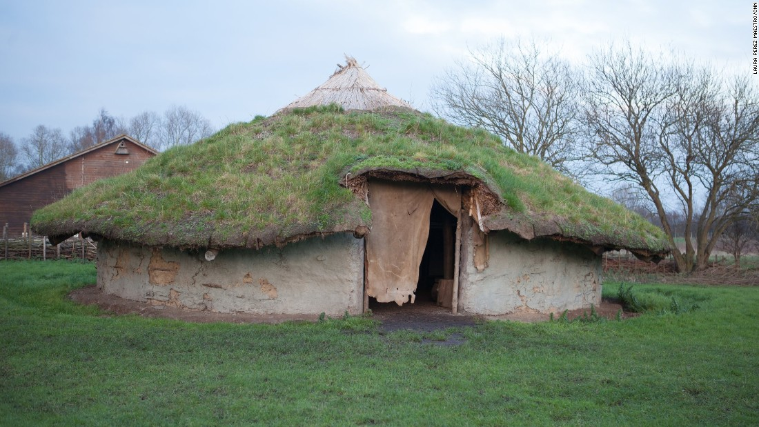 Photos see insde a bronze age village for How to make different types of house models