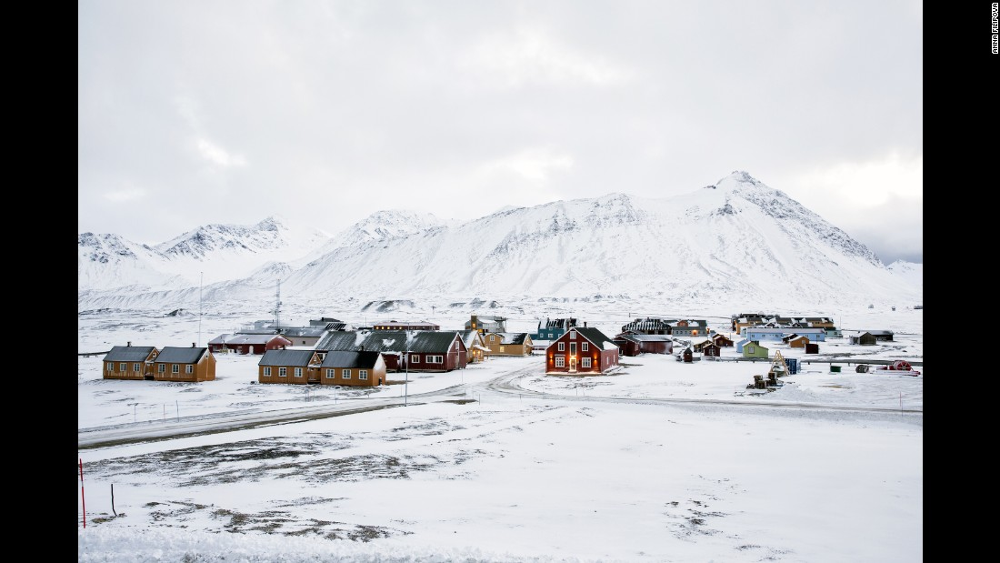 Researchers from 11 countries live in Ny-Ålesund, a former coal-mining town.