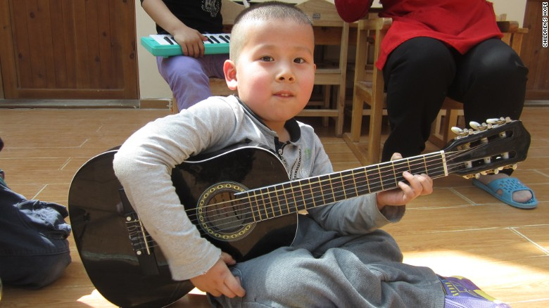 Abandoned Chinese boy is heading to his new home in the U.S.