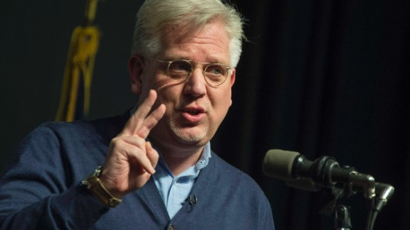Glenn Beck announces his endorsement of US Senator and Republican Presidential Candidate Ted Cruz during a campaign event in Waterloo, Iowa, January 23, 2016, ahead of the Iowa Caucus.  / AFP / JIM WATSON        (Photo credit should read JIM WATSON/AFP/Getty Images)