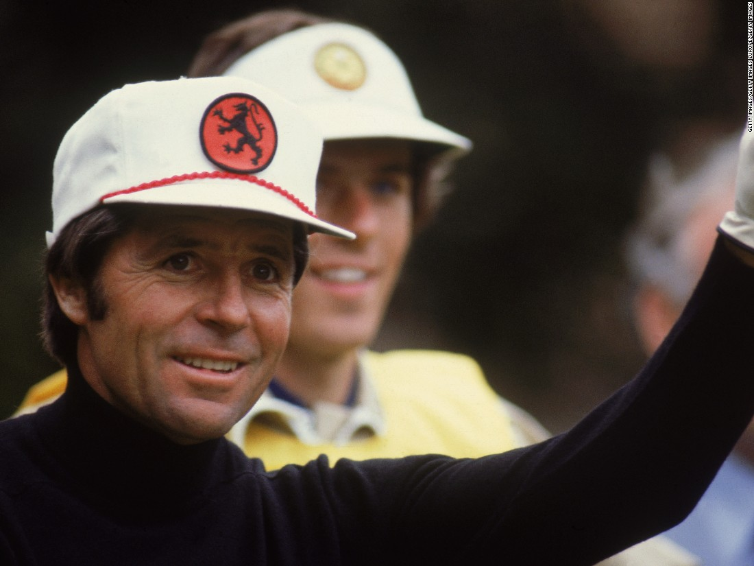 Before Rickie Fowler was even a glint in his parents' eyes, Gary Player was sporting the oversized baseball cap look.