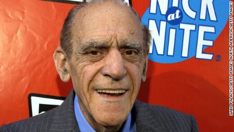 Abe Vigoda, of 'Barney Miller' and 'Godfather' fame, dies at 94