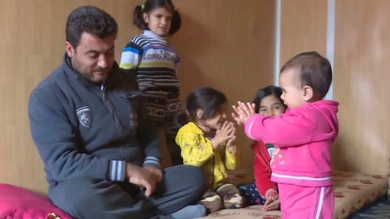 Syrian refugees brace for winter in Jordanian camp